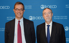 Photo: Chair of the NEA Committee on Nuclear Regulatory Activities (CNRA) and Director-General of the French Nuclear Safety Authority (ASN) Dr. Jean-Christophe Niel and NEA Director-General Luis Echávarri