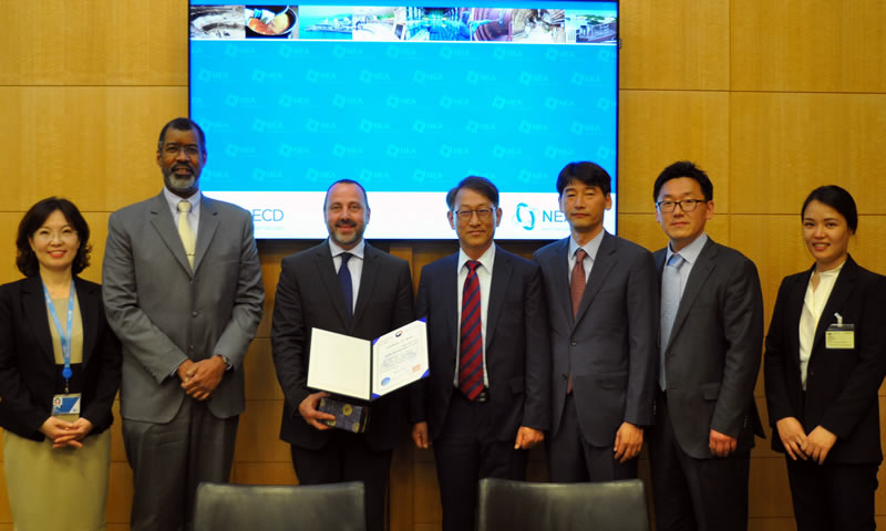 NEA expert receives award for international co-operation from Korea
